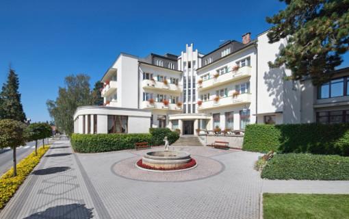 Kurhotel Grand in Anna-Moorbad-Bělohrad