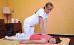 Druckmassage im Bereich der Nacken-Rücken-Muskulatur