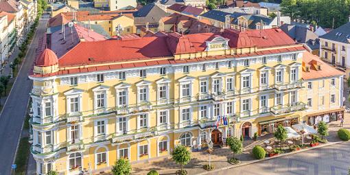 Das Franzensbader Hotel Savoy in der Vorderansicht