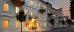 Die Gebäude des Spa-Hotels Praha bei Abenddämmerung