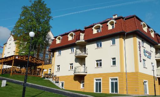 Das Bad-Flinsberger Kurhaus Sanus von außen