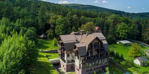 Hotel Sudetia mit zauberhafter Lage im Isergebirge am Rande von Bad Flinsberg