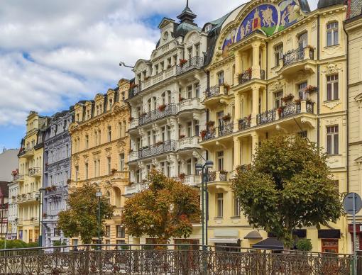 Hotel Astoria an der Karlsbader Kurpromenade