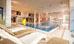 Schwimmbad mit Relax-Liegen