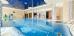 Schwimmbecken im Hotel Leda