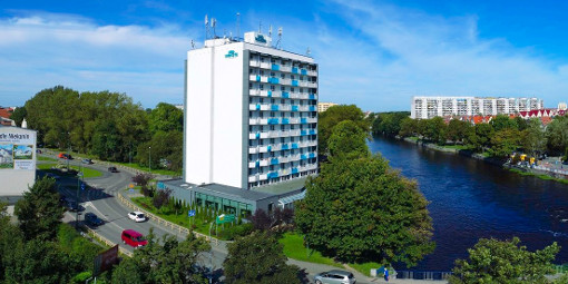 Das Hotel am namensgebenden Fluss Parsętą