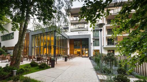 Eingangsbereich des 4-Sterne-Hotels Shuum Boutique Wellness Hotel