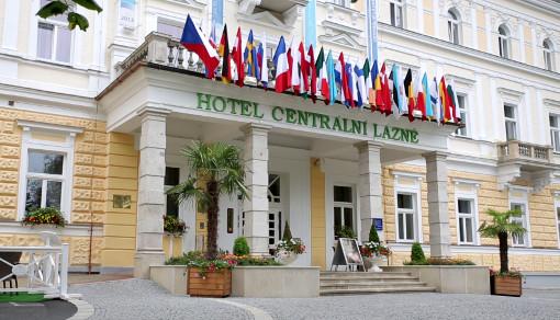 Hotel Centrálni Lázně (Zentralbad) Eingang