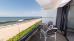 Balkon mit Glasplatten, dadurch freie Sicht zur Ostsee