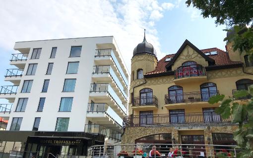 Beide Trofana-Gebäude: links Neubau, rechts das traditionelle Haus