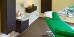 Behandlungsraum mit Massageliege