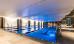 Schwimmbecken des Radisson Blu