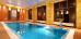Schwimmbecken im Hotel