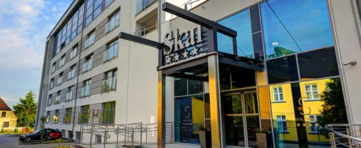 Eingang zum Hotel Skal