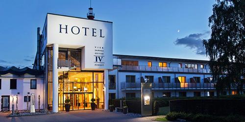 Eingang zum Hotel Vier Jahreszeiten im Ostseebad Zingst